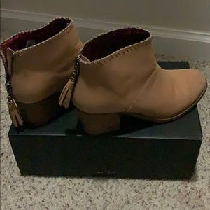Lightly worn toms leather booties